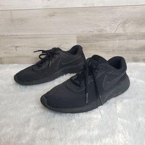 Nike Roches 5Y or 7W